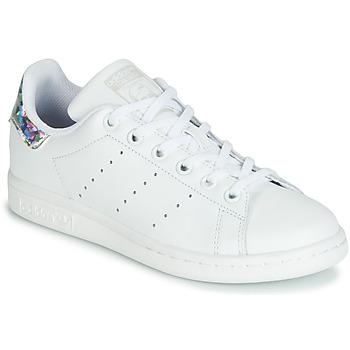Buty Dziewczynka Trampki niskie adidas Originals STAN SMITH J Biały / Srebrny
