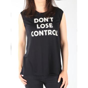 tekstylia Damskie Topy na ramiączkach / T-shirty bez rękawów Lee T-shirt  Muscle Tank Black L42CPB01 czarny