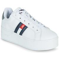 Buty Damskie Trampki niskie Tommy Jeans IRIDESCENT ICONIC SNEAKER Biały