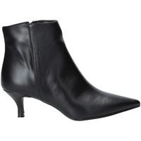Buty Damskie Botki Grace Shoes 319S105 Czarny
