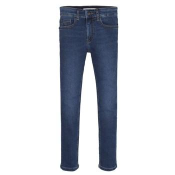 tekstylia Chłopiec Jeansy skinny Calvin Klein Jeans ESSENTIAL ROYAL BLUE STRETCH Niebieski