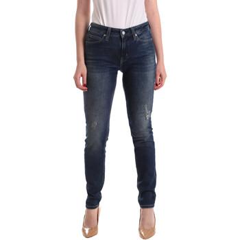 tekstylia Damskie Jeansy boyfriend Calvin Klein Jeans J20J209427 Niebieski