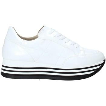 Buty Damskie Trampki niskie Grace Shoes MAR001 Biały
