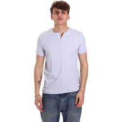 tekstylia Męskie T-shirty z krótkim rękawem Gaudi 011BU64094 Fioletowy