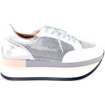 Buty Damskie Trampki niskie Grace Shoes 331009 Srebro