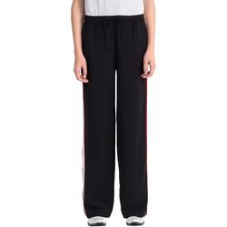 tekstylia Damskie Spodnie dresowe Calvin Klein Jeans J20J206906 Czarny