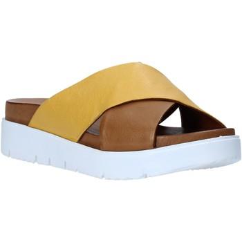 Buty Damskie Klapki Bueno Shoes N3408 Brązowy