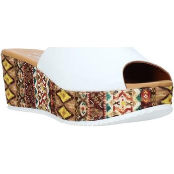 Buty Damskie Klapki Grace Shoes 10 Biały