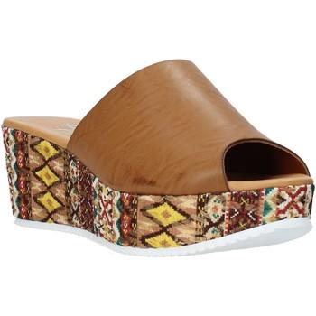 Buty Damskie Klapki Grace Shoes 10 Brązowy