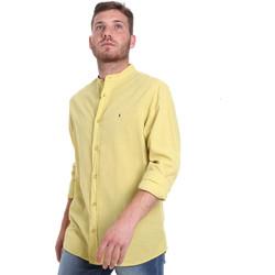 tekstylia Męskie Koszule z długim rękawem Les Copains 9U2722 Zielony