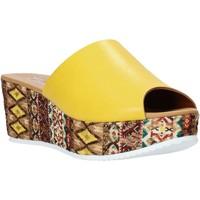 Buty Damskie Klapki Grace Shoes 10 Żółty