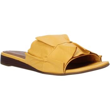 Buty Damskie Klapki Bueno Shoes N1908 Żółty