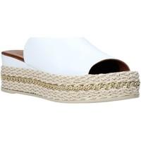 Buty Damskie Klapki Bueno Shoes Q5905 Biały