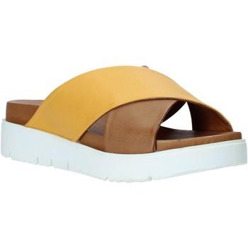 Buty Damskie Klapki Bueno Shoes 9N3408 Brązowy