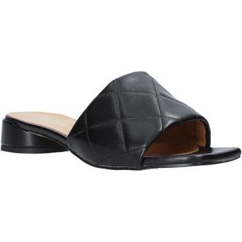 Buty Damskie Klapki Grace Shoes 971Y001 Czarny