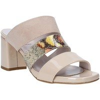 Buty Damskie Klapki Grace Shoes 116003 Beżowy