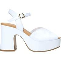 Buty Damskie Czółenka Grace Shoes G02 Biały