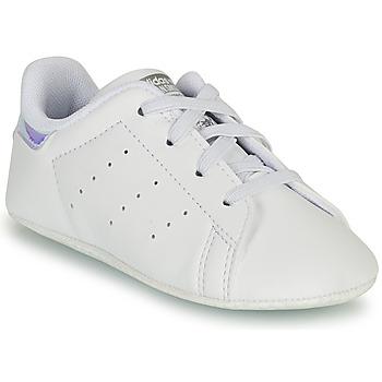 Buty Dziewczynka Trampki niskie adidas Originals STAN SMITH CRIB SUSTAINABLE Biały / Argenté
