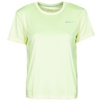 tekstylia Damskie T-shirty z krótkim rękawem Nike MILER TOP SS Zielony / Szary