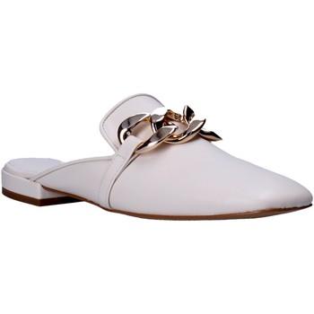 Buty Damskie Chodaki Grace Shoes 866005 Biały