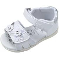 Buty Dziewczynka Sandały Chicco 25196-15 Biały