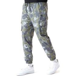 tekstylia Męskie Spodnie New-Era 12590879 Zielony