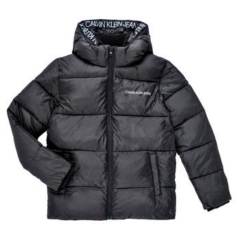 tekstylia Chłopiec Kurtki pikowane Calvin Klein Jeans LITHERA Czarny