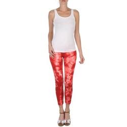 tekstylia Damskie Krótkie spodnie Eleven Paris DAISY Czerwony / Biały