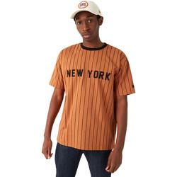 tekstylia Męskie T-shirty z krótkim rękawem New-Era 12720111 Brązowy