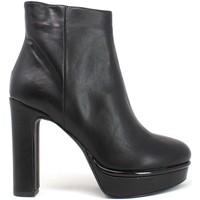 Buty Damskie Botki Grace Shoes 5202006 Czarny