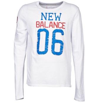 tekstylia Męskie T-shirty z długim rękawem New Balance NBSS1404 GRAPHIC LONG SLEEVE TEE Biały