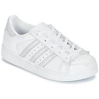 Buty Dziewczynka Trampki niskie adidas Originals STAN SMITH C Biały / Srebrny