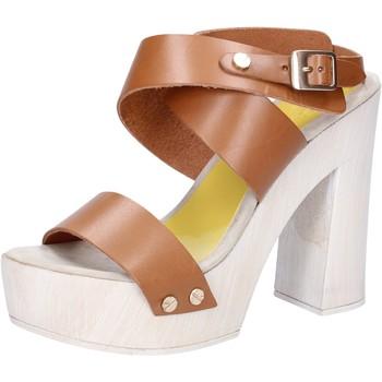 Buty Damskie Sandały Suky Brand Sandały AC816 Brązowy